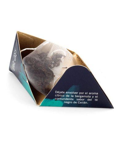 Early té pirámide El Águila del Caribe